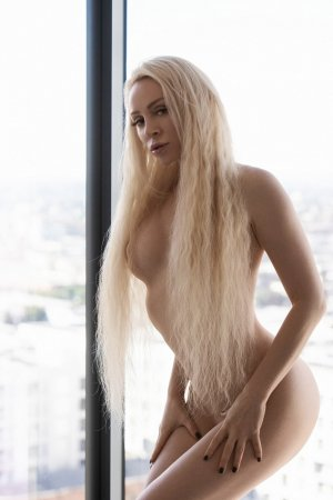 Clarance erotic massage in Mill Valley