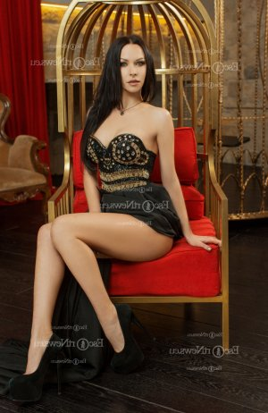 Anelyne erotic massage in Bellefontaine