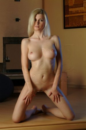 Idaline nuru massage